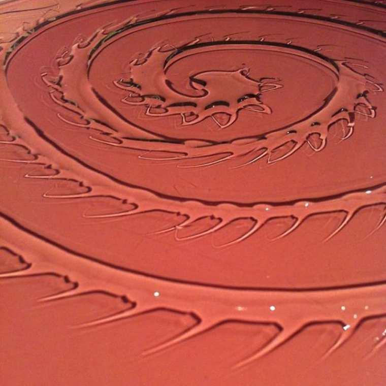 karya seni air berbentuk pusaran