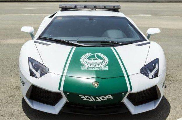 mobil polisi pun tak kalah mewah dan mahal